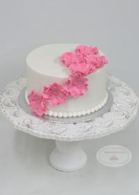 Bruidstaart met fantasie bloemen