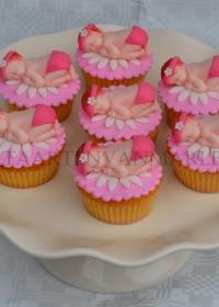 Geboorte cupcakes met baby