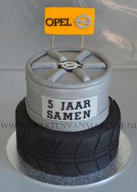 Autoband met velg taart