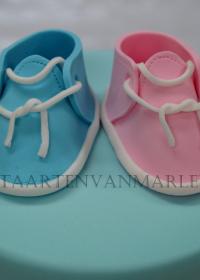 Gender taart met schoentjes