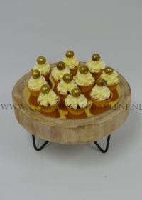 chocolade cupcakes met fruit en vanille crème