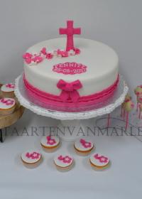 Taart met cupcakes en cakepops